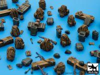 T72033 1/72 German WW II equipment Blackdog