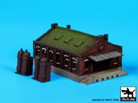 S350003 1/350 House N°1 Blackdog