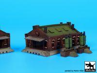S350003 1/350 House N°1 Blackdog