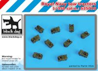 S350010 1/350 Royal Navy Tow tractors