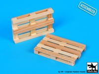 W35002 1/35 Wooden palets 2pcs Blackdog