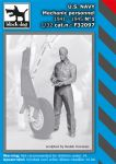F32097 1/32 US NAVY mechanic personnel 1941-45 N°1
