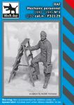 F32129 1/32 RAF mechanic personnel 1940-45 N°1 Blackdog