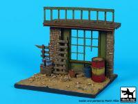 D35080 1/35 House ruin (near east)base Blackdog