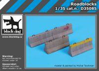 D35085 1/35 Roadblocks