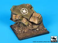 D35092 1/35 Destroyed US M2 base Blackdog