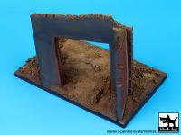 D72002 1/72 Factory entrance (125x75 mm) Blackdog