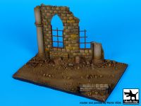 D72016 1/72 Cathedral ruin base Blackdog