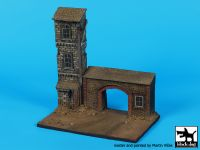 D72046 172 House with gate base Blackdog