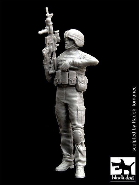 F35004 1/35 US soldier in Iraq Blackdog