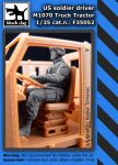F35052 1/35 Us soldier driver M1070 Truck tractor